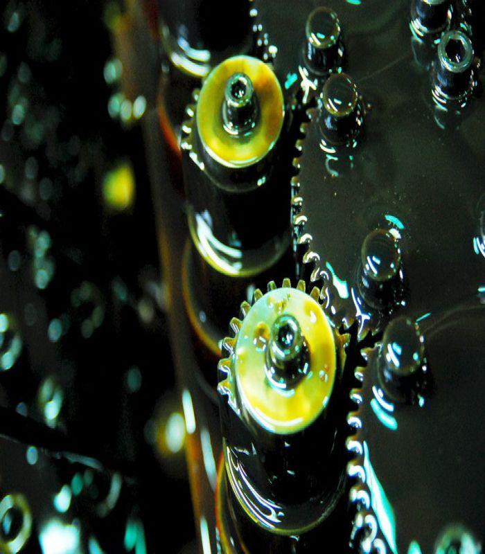 工業用油、齒輪油、滑道用油、水性加工用油、螺絲螺帽專用油、潤滑油脂、防鏽油、鋁擠加工加工油、油性加工油、工業用齒輪油、液壓油、切削油、成型油、脫模劑、軟化油、避震器、阻尼油